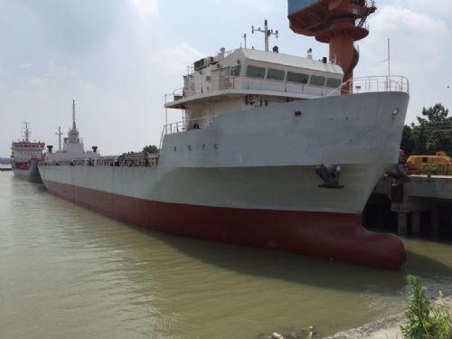 出售08年弃单船300teu双主机江海直达集装箱船